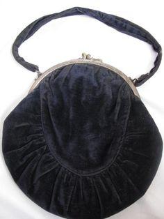 Victorian Velvet Purse  Original by victoriansentiments on Etsy, $45.00