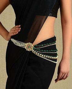 Kamarband Designs With Price - Elegant Sari Belt Ideas African Fashion, Indian Fashion, Women's Fashion, Saree With Belt, Saree Belt, Saree Brooch, Waist Jewelry, Fashion Details, Fashion Design