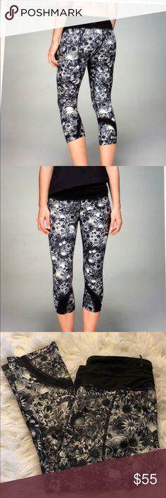 Run inspire crop II flowabunga Excellent condition beautiful flowabunga print.  Crop pants. lululemon athletica Pants Ankle & Cropped