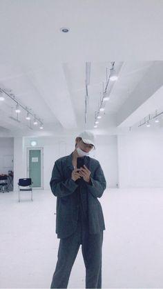 Kim Taehyung (v) Taehyung Selca, Bts Suga, Bts Bangtan Boy, Namjoon, Rapmon, Bts Boys, Daegu, Bts K Pop, Bts Twt