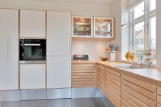 The Foolproof Customized Kitchen Cabinets in Smoked Oak Strategy Whichever prepared to assemble cabinet you will prefer, you will certainly secure stu. Grey Kitchen Cabinets, Kitchen Cabinet Design, Ikea Kitchen, Home Decor Kitchen, Small Apartment Kitchen, New Cabinet, Dining Room Design, Kitchen Remodel, Kitchens