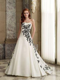 black and white wedding dress: BEAUTIFUL!