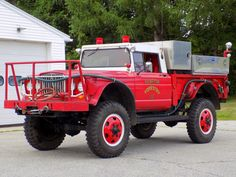 Hampton's Forestry a 1967 Jeep/Kaiser ex military pickup truck brush truck. Old Trucks, Fire Trucks, Pickup Trucks, Brush Truck, 6x6 Truck, Utility Truck, Fire Equipment, Dodge Power Wagon, Rescue Vehicles