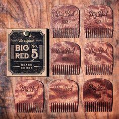 Figured Sapele No.5 Look at that beautiful grain. Loving this wood. #bigredbeardcombs #beardcomb #pocketcomb #comb #woodcomb #girlswholovebeards #gentlemen #noshave #beardstildeath