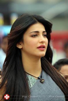 Picture 713174   Shruti Haasan CCL 4 Veer Marathi Vs Mumbai Heroes Match Photos Events Actress