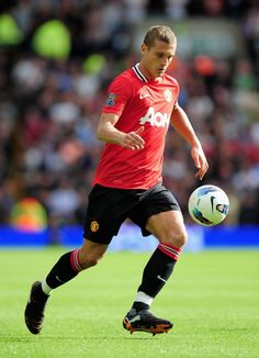 Manchester United skipper Nemanja Vidic says the club never relies on one player so he knew his absence would not derail the bid for the Premier League title.