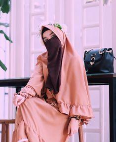 Beautiful Muslim Women, Beautiful Hijab, Niqab Fashion, Muslim Fashion, Muslim Girls, Muslim Couples, Stylish Hijab, Hijab Cartoon, Islamic Girl