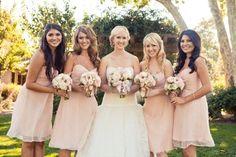 """Una """"Boda Rosa Clará"""" en un lago   Rosa Clará #bridesmaids #demoiselles #honneur"""