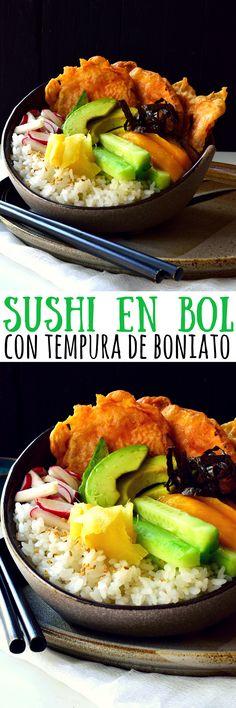 Este sushi en bol con tempura de boniato presenta todos los sabores de un rollo de sushi pero sin necesidad de enrollarlo. Esta receta es muy fácil – simplemente cocinar el arroz, cortar algunas de tus verduras preferidas para el sushi, mojar el boniato en el rebozado y freír. Juntar todo en un bol, servir con salsa de soja y wasabi y ya tienes una cena de sushi casera lista en tan sólo treinta minutos!