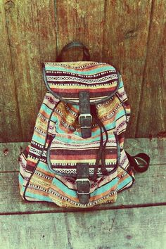 Im dying to have this Vintage striped backpack! It would also be fab for a present. Acsessorize also does great backpacks this style! It would go with lots of outfits Looks Style, Style Me, Aztec Backpacks, School Backpacks, Striped Backpack, Ethno Style, Quoi Porter, Look Girl, Cute Bags