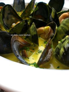 Mouclade - French Steamed Mussels in a Curry Cream Sauce