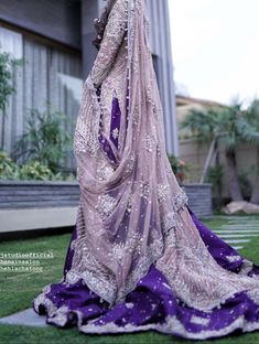 Wedding Dresses Tight Fitted, Wedding Dress With Pockets, Red Wedding Dresses, Pakistani Wedding Dresses, Pakistani Dress Design, Indian Wedding Outfits, Hair Wedding, Bridal Mehndi Dresses, Bridal Dress Design