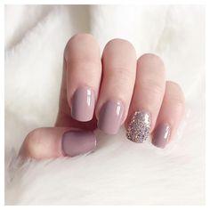 Mauve nails insta: catherine.mw