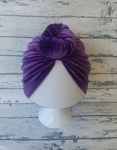20 Ideas for fashion girl baby top knot Trendy Fashion, Girl Fashion, Maxi Skirt Boho, Baby Girl Winter, Turban Hat, Top Knot, Sweater Fashion, Fall Dresses, Baby Headbands
