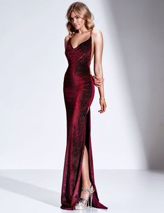 Velluto D Dupey inspo gowns Elegant Dresses, Pretty Dresses, Beautiful Dresses, Formal Dresses, Red Formal Gown, Prom Dresses Uk, Satin Dresses, Dance Dresses, Fall Dresses