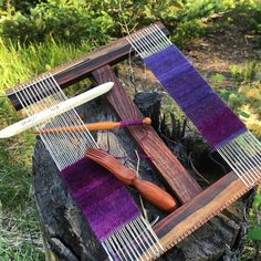 Learning how to weave on a rigid-heddle loom is easier than you think with this expert, free advice page on weaving looms for beginners. Weaving Patterns, Knitting Patterns Free, Tapestry Loom, Small Tapestry, Interweave Crochet, Wire Jewelry Making, Resin Jewelry, Weaving Projects, Weaving Tools