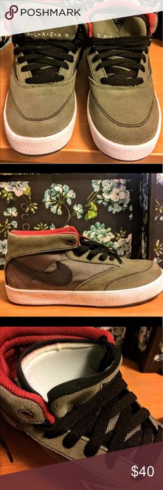 Nike Salazar Nike zoom Omar Salazar men's (unisex) Sz 7.  Brand new in box (will ship without box) Cool stash pocket on tongue of shoes- perfect for festivals! Rare find these kicks are from the mid 2000s. Nike Shoes Sneakers