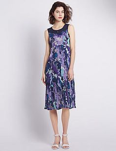 Floral Embroidered Lace Yoke Crinkle Shift Dress