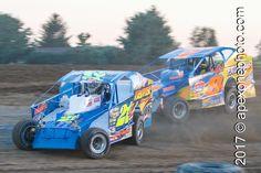 #MudBussMonday #POTD219 Peter Britten 21 \ Matt Sheppard 9 | 2012.08.07 | I-96 Speedway