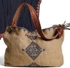 VK is the largest European social network with more than 100 million active users. Fabric Tote Bags, Diy Tote Bag, Reusable Tote Bags, Leather Bags Handmade, Handmade Bags, Sacs Design, Ethnic Bag, Diy Bags Purses, Art Bag
