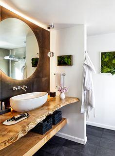 Lake House Bathroom, Cabin Bathrooms, Dream Bathrooms, Master Bathroom, Best Bathroom Designs, Modern Bathroom Design, Bathroom Interior Design, Wooden Bathroom Vanity, Rustic Bathroom Decor
