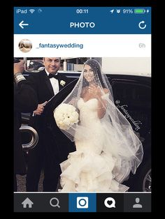 Like the detail on the veil #weddingdress