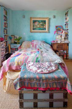 Pippa's bedroom.
