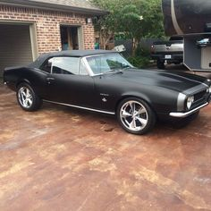 67 Camaro American muscle cars are commonplace in the actual automotive sell for decades. Old Muscle Cars, Custom Muscle Cars, Chevy Muscle Cars, American Muscle Cars, Custom Cars, Camaro Car, Chevelle Ss, Chevrolet Camaro, Bmw Autos