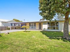 Real Estate For Sale - 11 McLennan Street - Apollo Bay , VIC