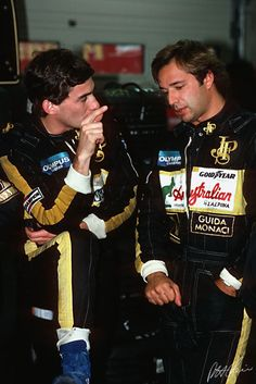 1985 Spa - Ayrton with team mate Elio de Angelis in the Lotus garage. Italian racing driver = perfect combination. Another driver gone too soon!