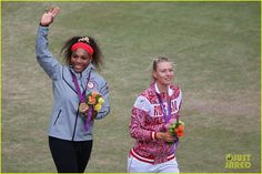 The younger Williams sister made quick work out of Maria Sharapova and then celebrated her first singles gold medal with a crip walk that likely has a surprisingly deep and personal meaning. Serena Williams Photos, Serena Williams Tennis, Us Open Final, Maria Sharapova Photos, Lawn Tennis, Tennis Match, Olympic Games, Olympics, Crushes
