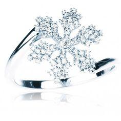 White gold snowflake ring with diamonds