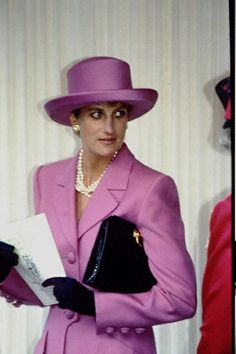 Diana Photos page 1 - RoyalDish is a forum for discussing royalty. The Danish and British Royal Families in particular, so get your snark on! Lady Diana Spencer, Spencer Family, Diana Fashion, Royal Fashion, Princesa Diana, Royal Princess, Princess Of Wales, Most Beautiful Women, Beautiful People