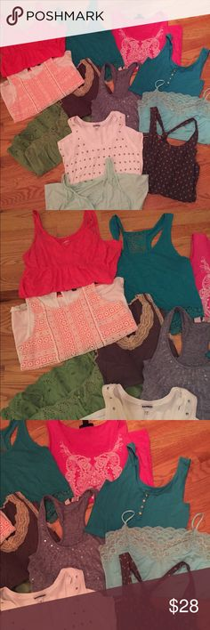 12, Women's Casual Tank Tops, Cami's, shirts 12, Women's Casual Tank Tops, Cami's, shirts Various brands, some Limited, Express  All XS-S The teal one on top is a crop tank.   Check out my other listings for many other tank tops!   Smoke free Tops Tank Tops