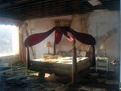 The honeymoon suite in the abandoned Mount Airy Lodge in the Poconos, Pennsylvania.