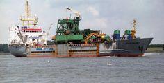 http://koopvaardij.blogspot.nl/2012/01/scheepsgegevens_03.html    ROCKY GIANT  Eigenaar: ACZ Marine Contractors B.V., Rotterdam  Bouwjaar: 1972