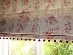 Pompom adding that extra, all important finishing touch.  #romanblinds #madetomeasure #softfurnishings
