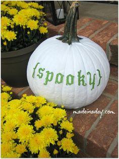 DIY Halloween : DIY Spray Painted Pumpkins DIY Halloween Decor