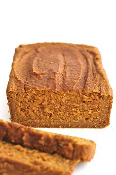 Flourless Pumpkin Bread is a great dessert to make and it only requires 6 ingredients! One easy fall dessert that is a healthy option. This pumpkin bread is sweetened naturally with maple syrup. Great Desserts, Low Carb Desserts, Fall Desserts, Healthy Desserts, Dessert Recipes, Dessert Bread, Dinner Healthy, Dessert Party, Flourless Bread