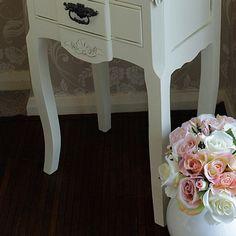 Belgravia Range - Cream 2 Drawer Bedside Table