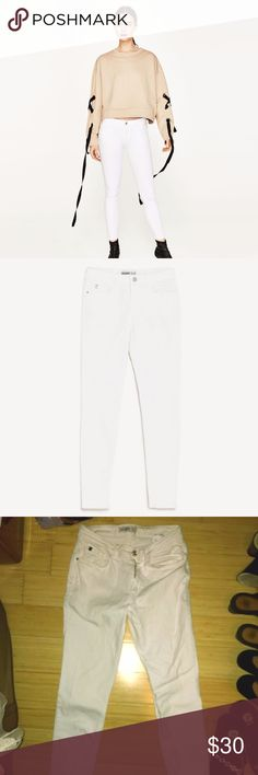 White Zara Jeans White Zara Jeans! I bought this on a splurge and they were not my size...  Size 10 Long Skinny Jeans Zara Jeans