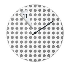 Italian designer Sabrina Fossi puts her own spin on the wall clock by removing the numbers from the clock face and revealing them as the hour changes. Clock Shop, Time Shop, Telling Time, Solid Wood Furniture, Deco Design, Everyday Objects, Home Furnishings, Home Accessories, Polka Dots