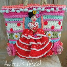🌟Tante S!fr@ loves this📌🌟Interview with Crochet Artist Adinda Zoutman – Crochet Patterns, How to, Stitches, Guides and Easy Crochet Hat, Crochet Mask, Freeform Crochet, Crochet Home, Crochet Shawl, Crochet Stitches, Knit Crochet, Crochet Patterns, Globe Ornament
