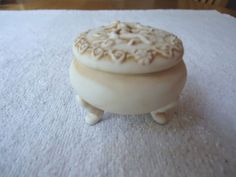 """Vintage Leftons 3 LEGGED Pot Type Of Trinket Box """" BEAUTIFUL COLLECTABLE ITEM """" #vintage #collectibles #ceramics #home"""