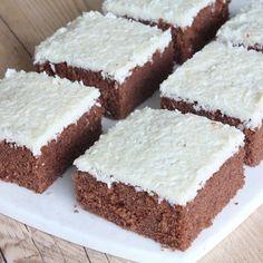 Bountykärleksmums - En obeskrivbar, galet god kaka! Den här måste ni alla baka – ren KÄRLEK!