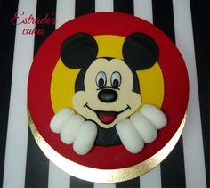 Estrade's cakes: tarta Mickey Mouse, con bizcocho de plátano y ganache de chocolate