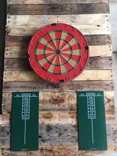 Dart board wall protector made from pellet wood wood for Diy dartboard lighting
