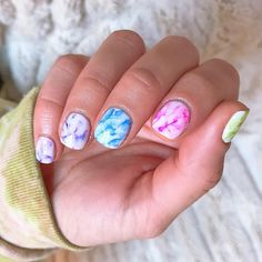 Rainbow Nails Are Everywhere: Here's How to Take Part in the Trend Single-shade manicures are being outnumbered by mismatched nails bursting with color. Click inside for 20 rainbow nail art ideas. Nail Design Stiletto, Nail Design Glitter, Diy Nails, Cute Nails, Pretty Nails, Manicure Ideas, Tie Dye Nails, Kylie Jenner Nails, American Nails