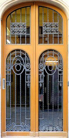 Barcelona - St. Joaquim 036 d | von Arnim Schulz