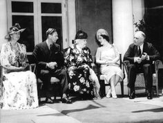The King and president and family gathered at the Roosevelt home in Hyde Park, N.Y., during the tour of Canada and the United States in 1939. From left are first lady Eleanor Roosevelt; King George VI; Sarah Delano Roosevelt, the presidents mother; Queen Elizabeth; and President Franklin D. Roosevelt. Associated Press. King George VI was the first British monarch to visit the USA.